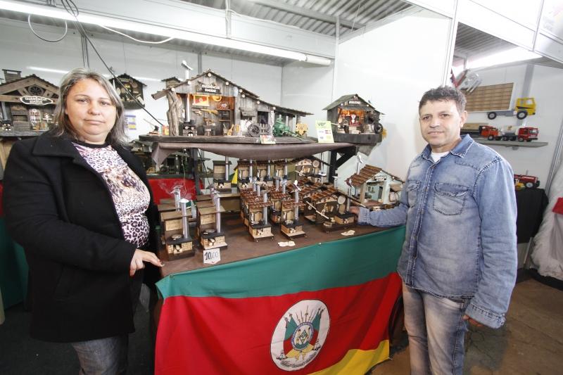 Celso e Cecília investiram pouco mais de R$ 400,00 no estande