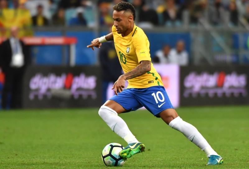 A revista revelou inicialmente cinco nomes como candidatos, sendo que o primeiro deles foi o de Neymar