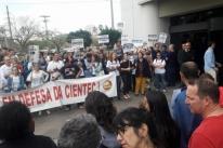 Estado quer suspender no STF ações contra demissões em fundações extintas