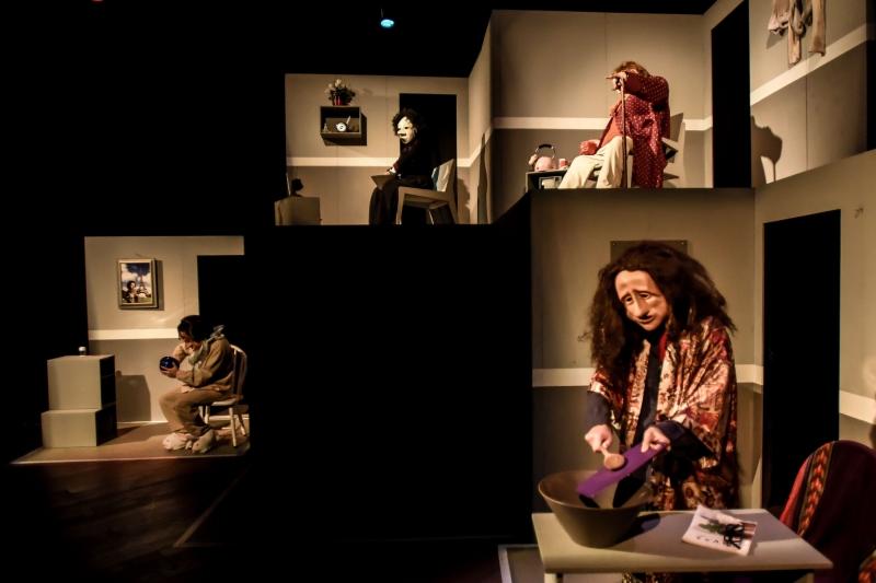 Montagem Imobilhados participa de dois festivais de teatro em setembro