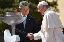 Presidente da Colômbia recebe papa Francisco em Bogotá