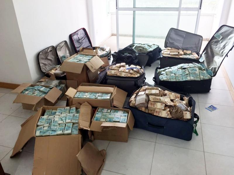 Impressões digitais de Job Ribeiro Brandão foram encontradas nas cédulas que estavam no bunker