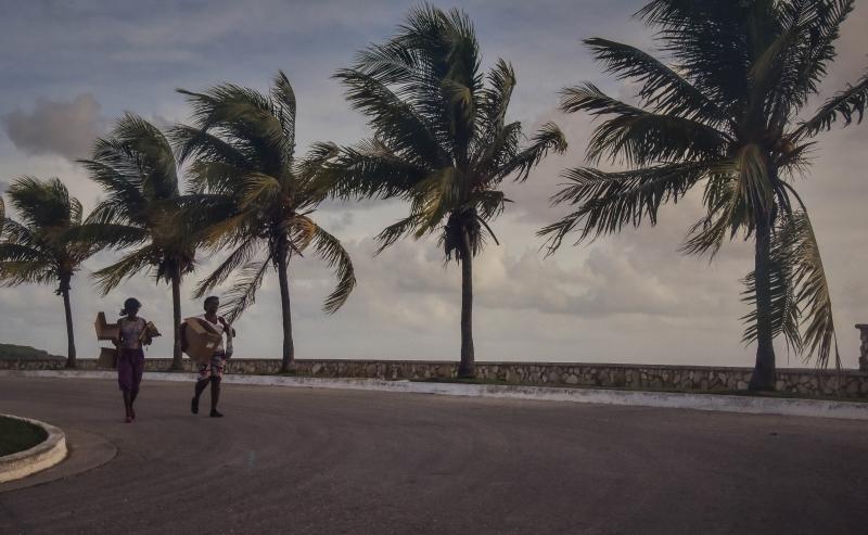Furacão Irma perdeu força e está agora na categoria 4