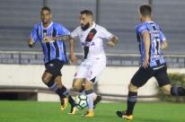 Grêmio perde para o Vasco e desperdiça chance de pressionar o líder Corinthians