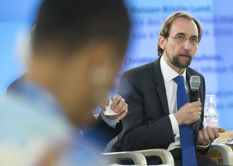 Alto comissário para os Direitos Humanos, Hussein fez graves denúncias sobre ambos os países