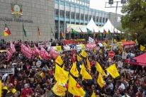 Após protesto, professores são recebidos pelo governo