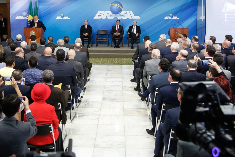 Presidente Michel Temer recebeu, ontem, lideranças empresariais e de trabalhadores no Palácio do Planalto