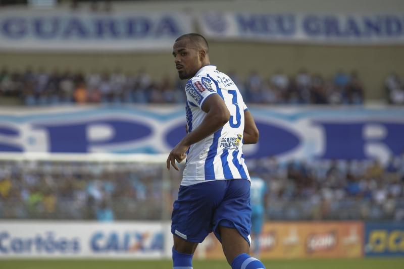 Após empréstimo ao CSA, de Alagoas, Thales se apresenta hoje ao clube