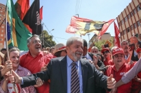 Lula começa a ser ouvido pelo juiz Sérgio Moro em Curitiba
