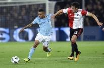 Com gol de Jesus, City goleia na Holanda; Taison marca em vitória do Shakhtar