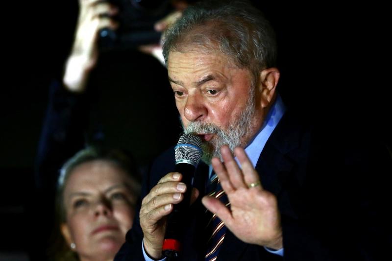 Parcela da sociedade que aprova Lula subiu de 32% para 40%, maior em dois anos de sondagem