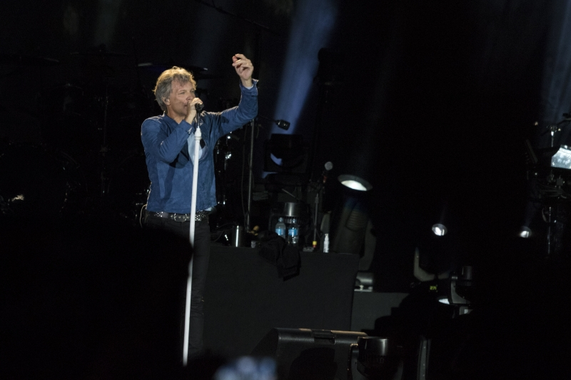 Em pouco mais de duas horas, Bon Jovi fez apresentação vibrante em Porto Alegre