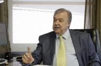 Economia está descolada da política, diz Petry