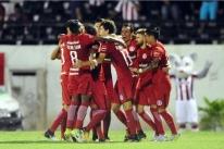 Inter vence o Náutico em Caruaru e volta à liderança da Série B