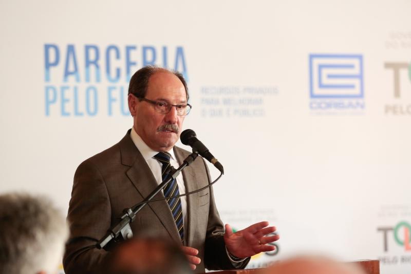 Para Sartori, não se faz política social, hoje, sem parceria