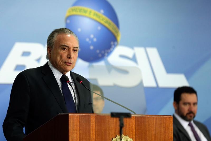 Presidente é acusado de obstrução da justiça e organização criminosa