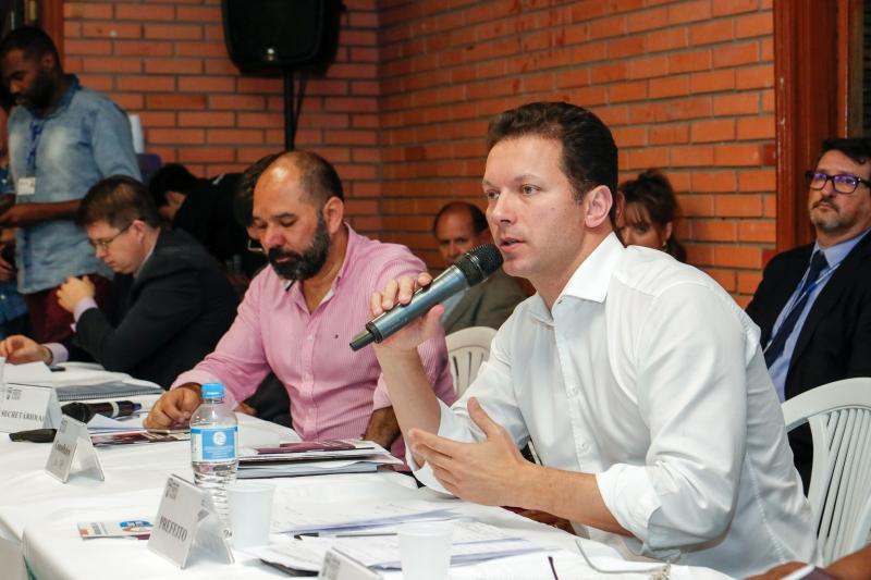 Prefeito Nelson Marchezan Júnior (PSDB) e secretário adjunto Carlos Siegle em reunião do Frop na Região Glória