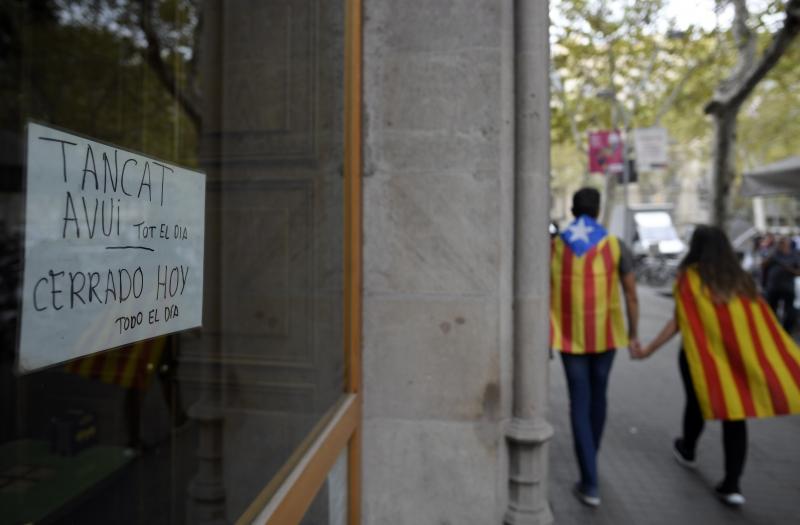 Filipe VI acusa autoridades catalãs de quebrarem princípios democráticos do Estado