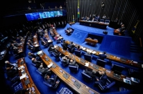 Senado aprova para 2020 fim de coligações