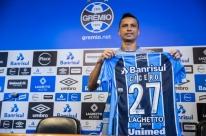 Cícero festeja chegada ao Grêmio e diz não entender saída do São Paulo