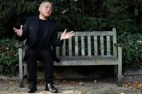 Kazuo Ishiguro, autor de Os Vestígios do Dia, ganha Nobel de Literatura