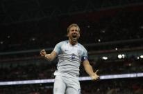 Inglaterra bate a Eslovênia nos acréscimos e garante vaga na Copa do Mundo
