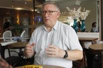 O sistema político é uma ficção, acredita Alan Woods