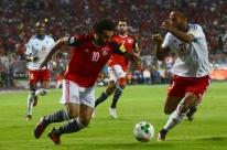 Salah marca duas vezes, Egito bate Congo e volta a disputar uma Copa após 28 anos