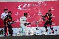 Com abandono de Vettel, Hamilton vence no Japão e já pode ser campeão nos EUA