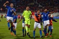 Itália e Espanha vencem fora de casa no encerramento do Grupo G das Eliminatórias