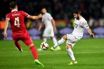 Sérvia bate Geórgia e se classifica à Copa; Irlanda tira Gales e vai à repescagem