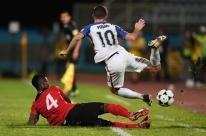 Trinidad e Tobago vence e deixa EUA fora da Copa; Panamá vai ao 1º Mundial