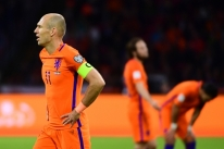 Holanda vence Suécia, mas fica fora da Copa do Mundo; França garante vaga