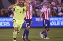Paraguai vacila em Assunção, perde da Venezuela e está fora da Copa do Mundo