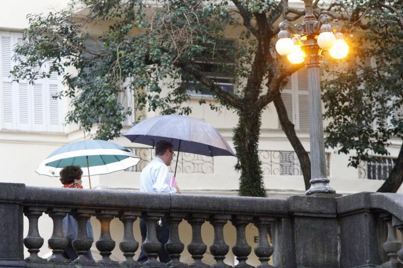 Na Capital, chuva com rajadas e trovoadas pode ocorrer até sexta-feira