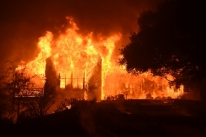 Sobe para 17 o número de mortes em incêndios na Norte da Califórnia