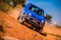 Suzuki Jimny: bem à vontade na terra, mas também conectado