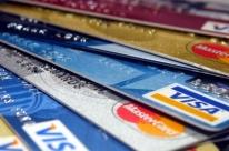 Um em cada quatro usuários de cartão entrou no rotativo em fevereiro