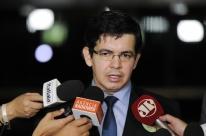 Randolfe pede à PGR investigação sobre Bolsonaro e Olavo de Carvalho