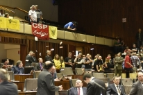 Deputados aprovam limite de cedências aos sindicatos