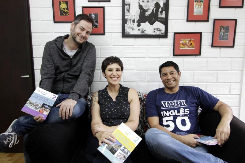 Mauríco, Karen e Rafael comandam a Master English, escola de inglês para idosos