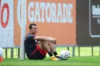 Inter perde Damião contra o Oeste e treina com três mudanças no time