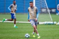 Eleito melhor do jogo, Luan exalta atuação do Grêmio; Grohe minimiza 'milagre'