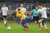 Brasil bate Alemanha de virada e vai pegar a Inglaterra na semi do Mundial Sub-17