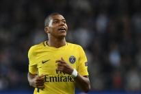 Mbappé supera Jesus e é eleito melhor jogador sub-21 da Europa