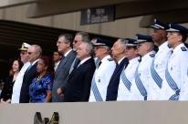 Temer condecora Raquel Dogde em cerimônia de Ordem do Mérito Aeronáutico