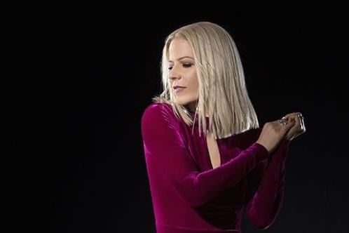 Paula interpretará canções de sua carreira solo e da época como vocalista do Kid Abelha