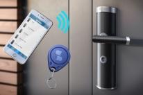 Fechadura inteligente faz gestão de portas via aplicativo de celular