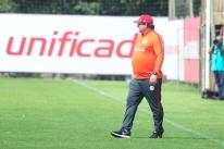 Leandro Damião é cortado e Inter terá Roberson no ataque contra o Ceará