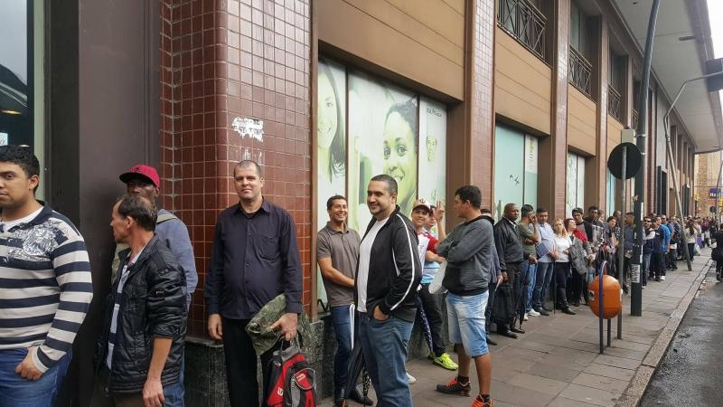 Mercado de trabalho no País perdeu 738 mil vagas com carteira assinada em um ano